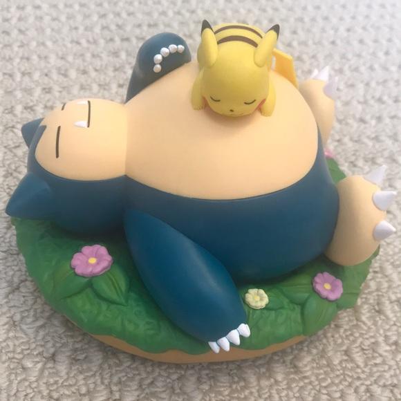 Pokemon - Snorlax and pikachu figure (New)